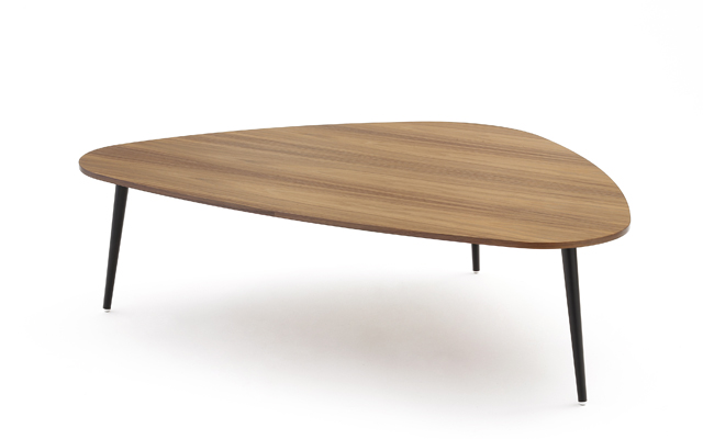 Coedition soho triangular coffee table for Table basse tripode gigogne