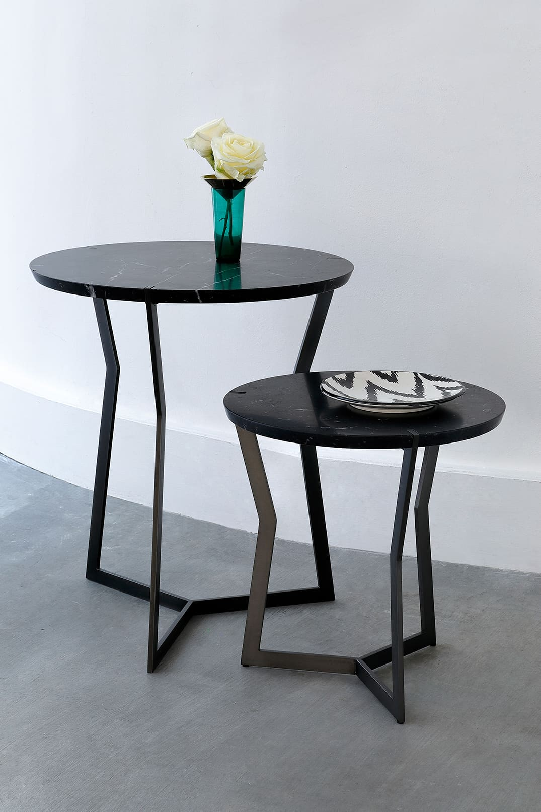 Star Black Pedestal