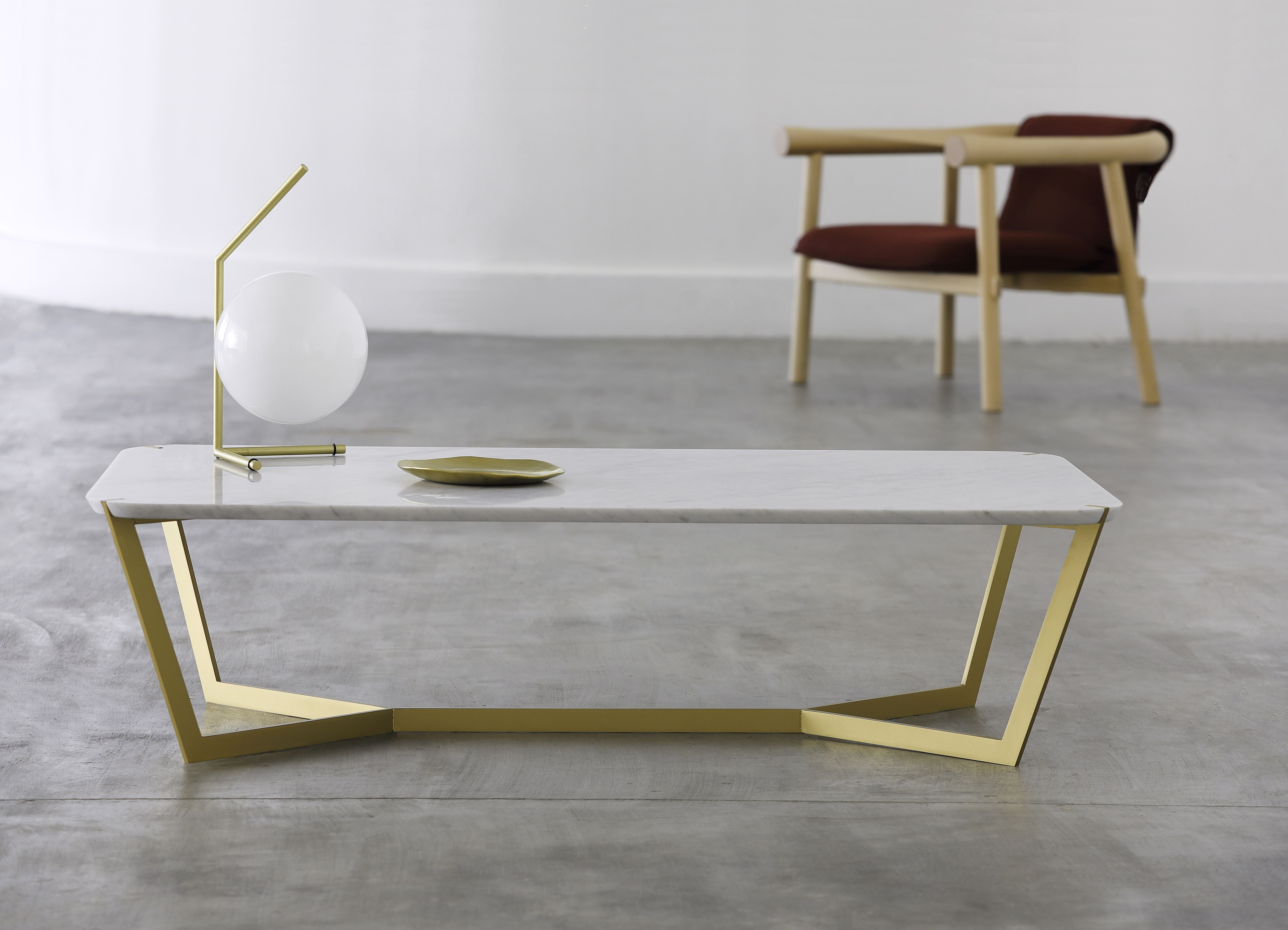 Star coffee table, golden