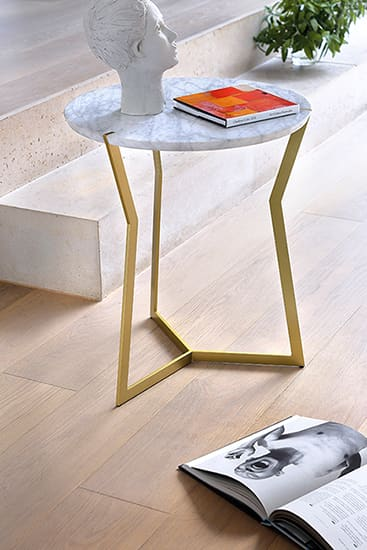 Star mini pedestal coffee table, golden
